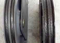 滑車に縄痕が発生した例